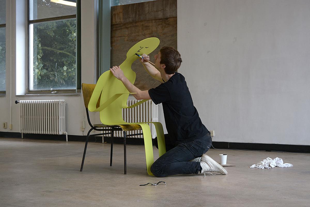 Ninasagt – 'FLAT OUT' by Jean Jullien, jean-plus-skulptur