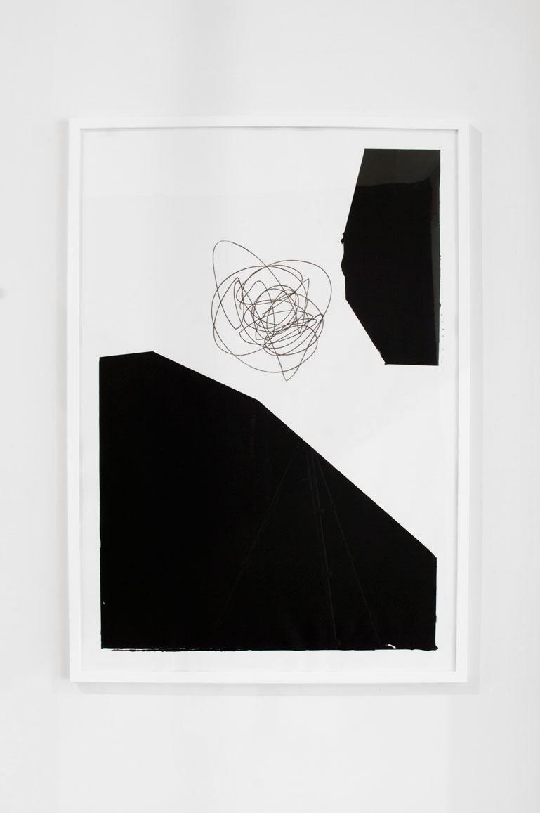 Ninasagt – Out of Shape, Untitled Black